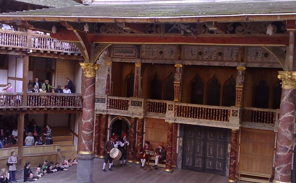 What is a groundling?